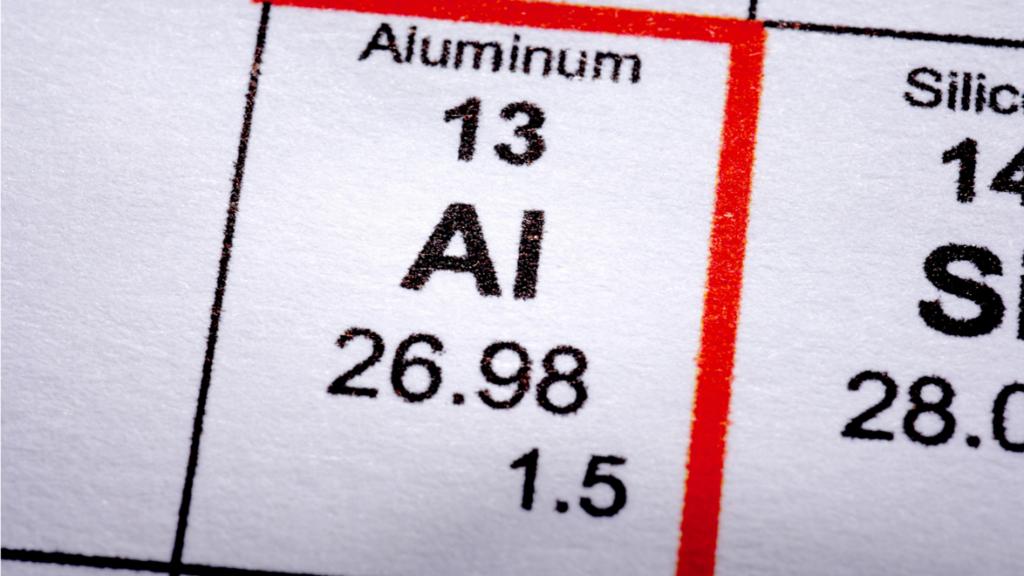 Aluminium w antyperspirantach